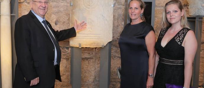 Caesarea כבוד נשיא המדינה, ראובן ריבלין והברונית אריאן דה-רוטשילד חנכו את פרוייקט השימור והשחזור האדיר של קמרונות הנמל בגן הלאומי קיסריה
